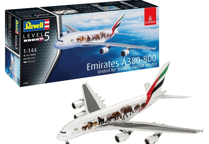 "03882 Revell Самолет Airbus A380-800 Emirates ""Wild Life"" 1/144"